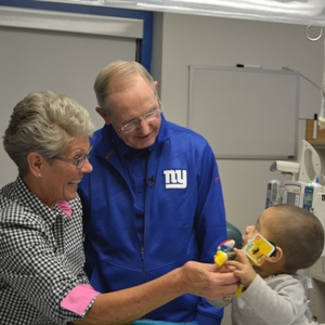 New York Giants Head Coach Visits Pediatric Patients